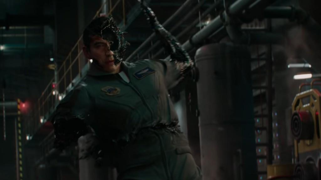 Terminator Dark Fate 2019 - Gabriel Luna Rev 9 being destroyed